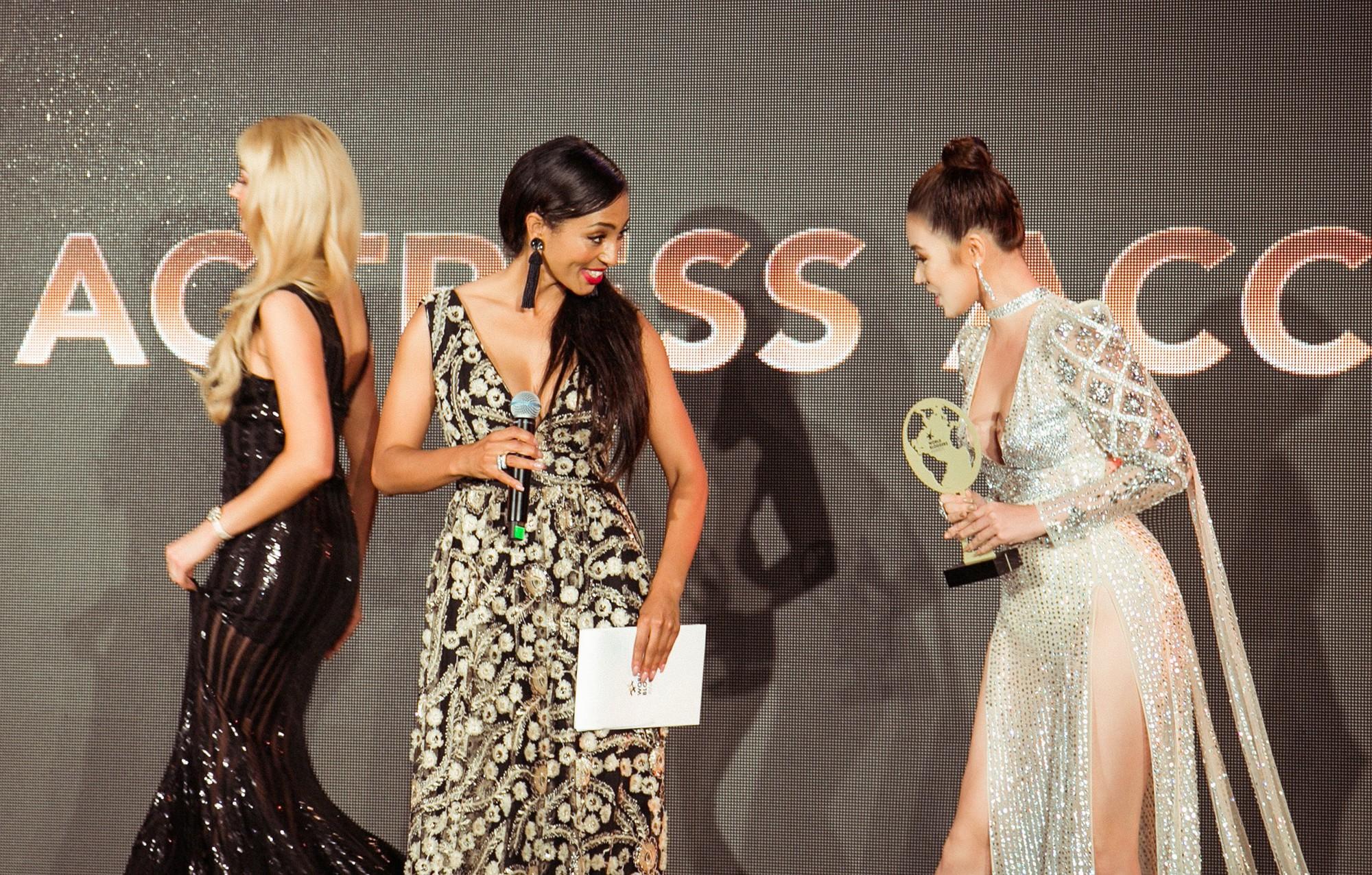 Cũng góp mặt tại Cannes, nhưng Hoa hậu Jolie Nguyễn lại đến với tư cách một... blogger? - Ảnh 5.