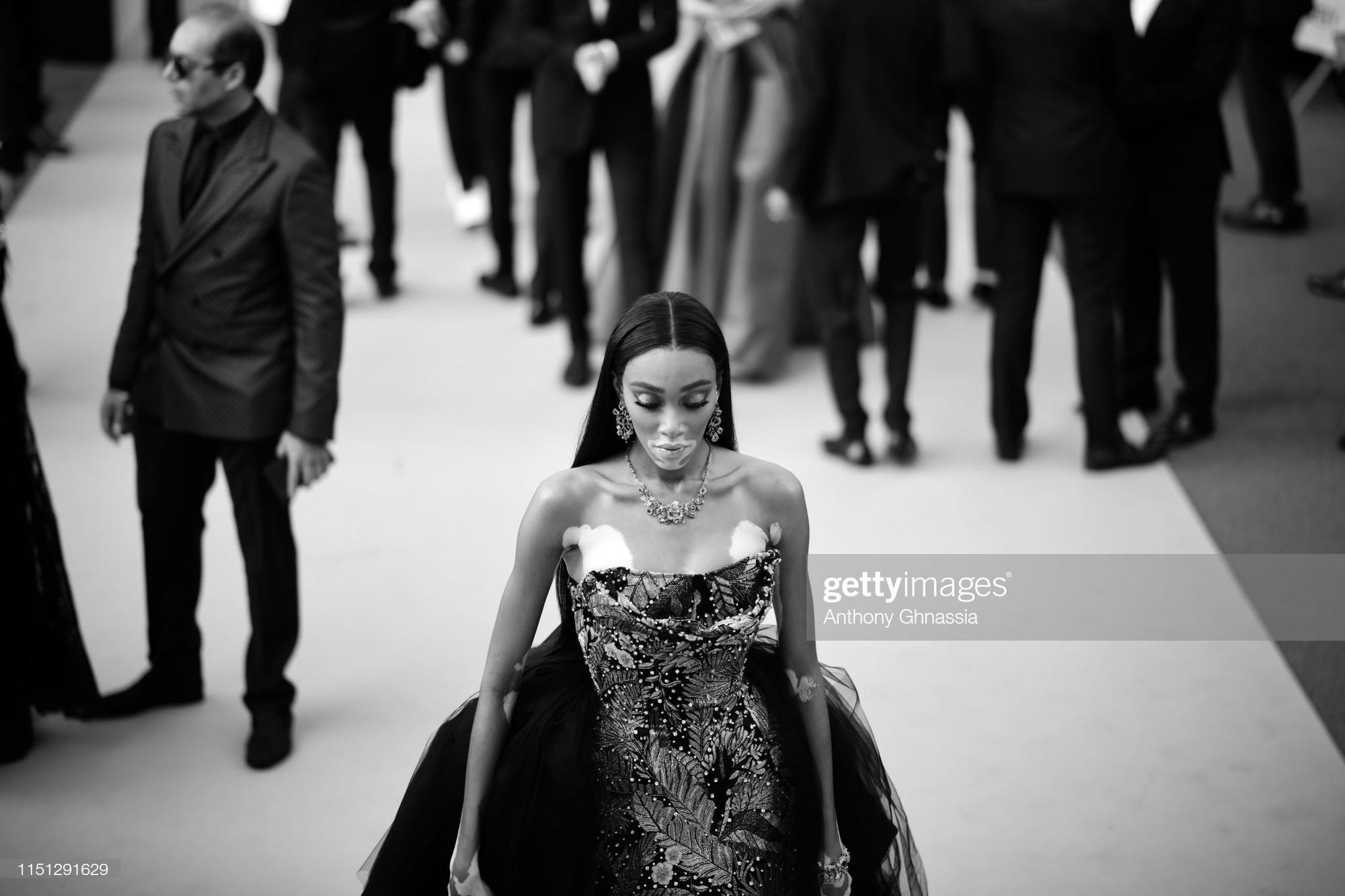 Top khoảnh khắc đắt giá nhất Cannes 2019: Dàn mỹ nhân 9X bất ngờ chiếm đa số, Selena và cặp đôi Brooklyn ấn tượng mạnh - Ảnh 18.