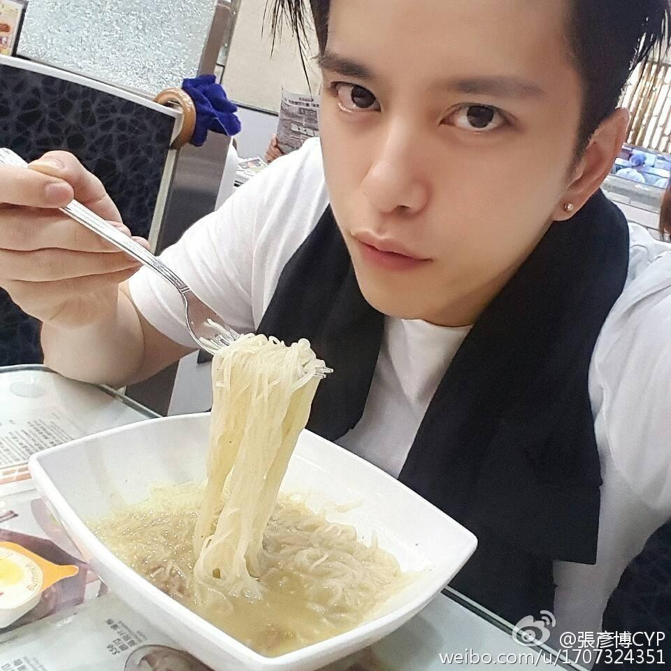 Đang yên lành, Lâm Chí Dĩnh bỗng xách dép cho nam thần lão hóa ngược của đài TVB! - Ảnh 8.