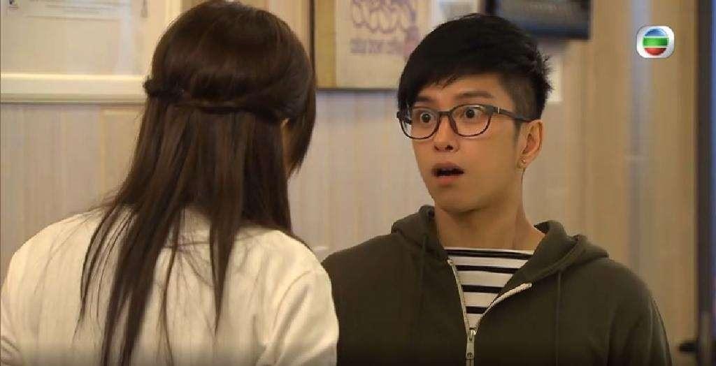 Đang yên lành, Lâm Chí Dĩnh bỗng xách dép cho nam thần lão hóa ngược của đài TVB! - Ảnh 9.