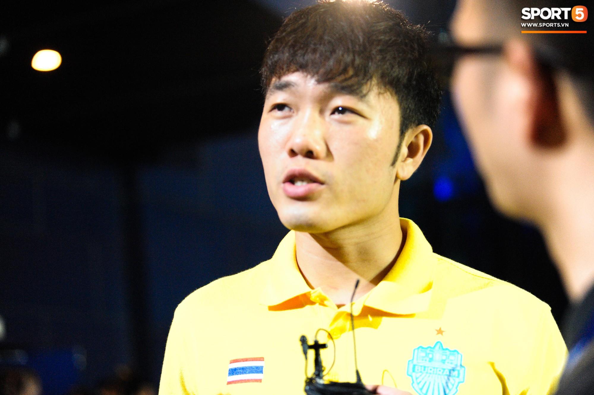 Giải mã hành động Xuân Trường cởi áo sau trận thắng đội bóng của Văn Lâm - Ảnh 9.