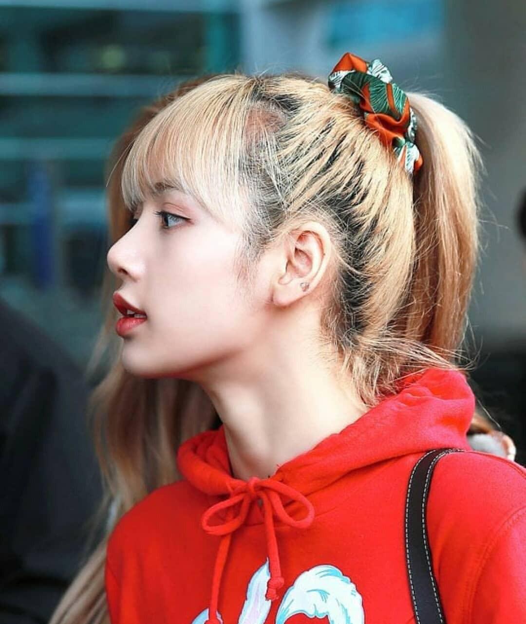 """Netizen Trung hoang mang: """"Hóa idol toàn hói?"""" khi biết sự thật phía sau mái tóc bồng bềnh, dày mượt như mây của họ - Ảnh 1."""