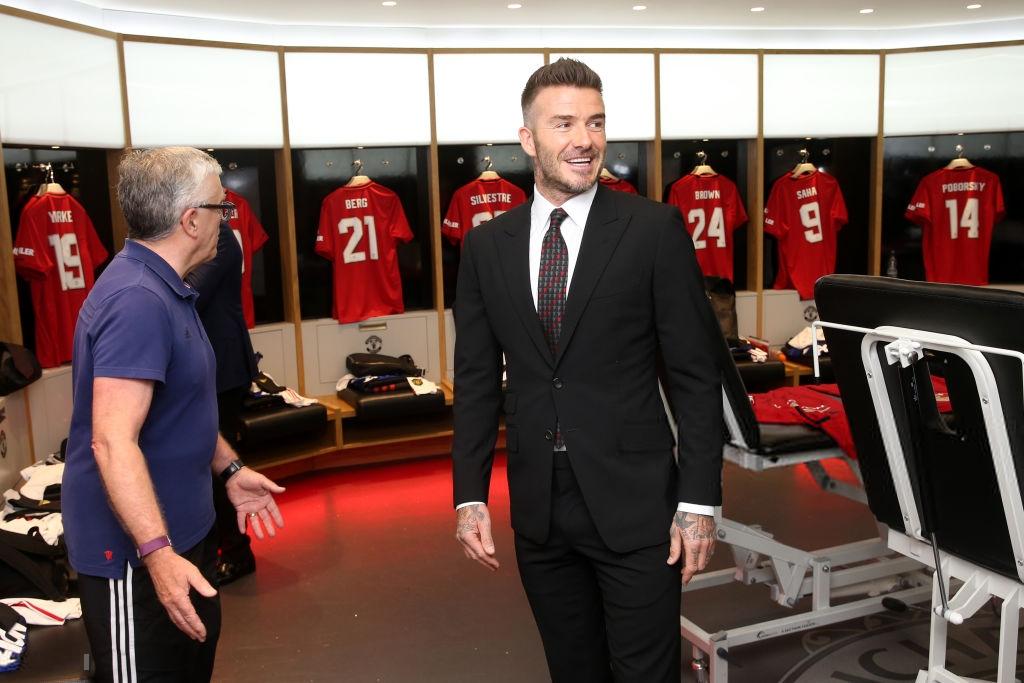 Ngất ngây trước những hình ảnh đẹp long lanh của Beckham trong ngày mặc lại bộ áo đấu MU, tái hiện ký ức thanh xuân tươi đẹp của hàng chục triệu người hâm mộ - Ảnh 2.