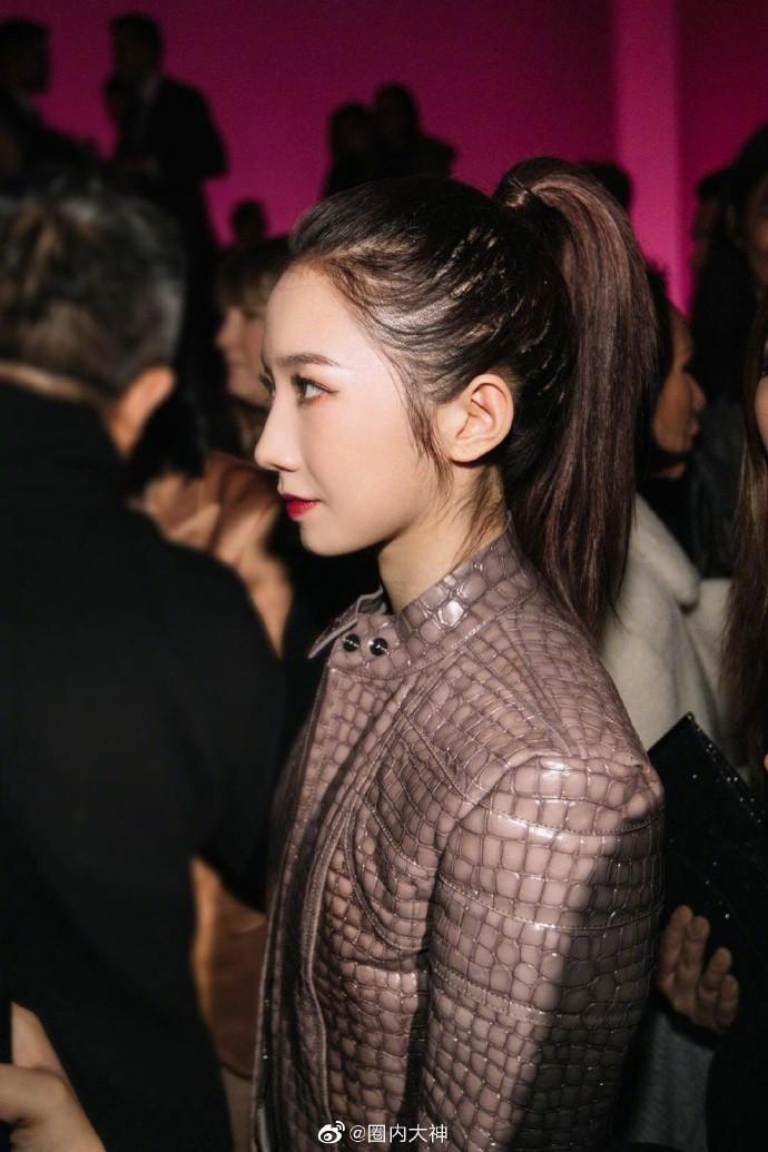 """Netizen Trung hoang mang: """"Hóa idol toàn hói?"""" khi biết sự thật phía sau mái tóc bồng bềnh, dày mượt như mây của họ - Ảnh 7."""