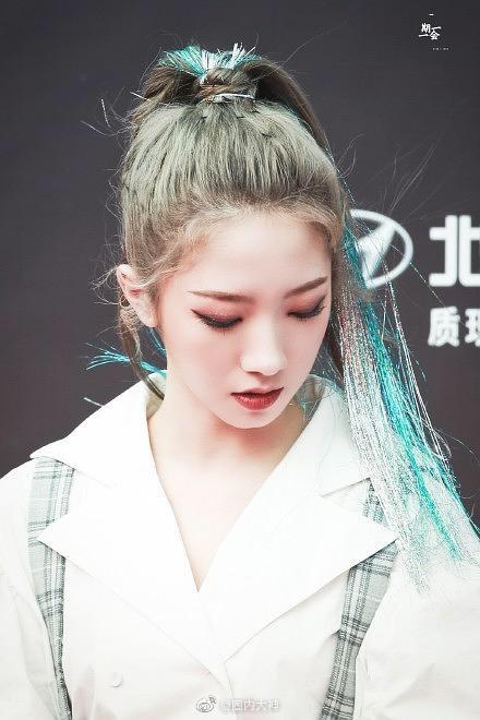 """Netizen Trung hoang mang: """"Hóa idol toàn hói?"""" khi biết sự thật phía sau mái tóc bồng bềnh, dày mượt như mây của họ - Ảnh 8."""