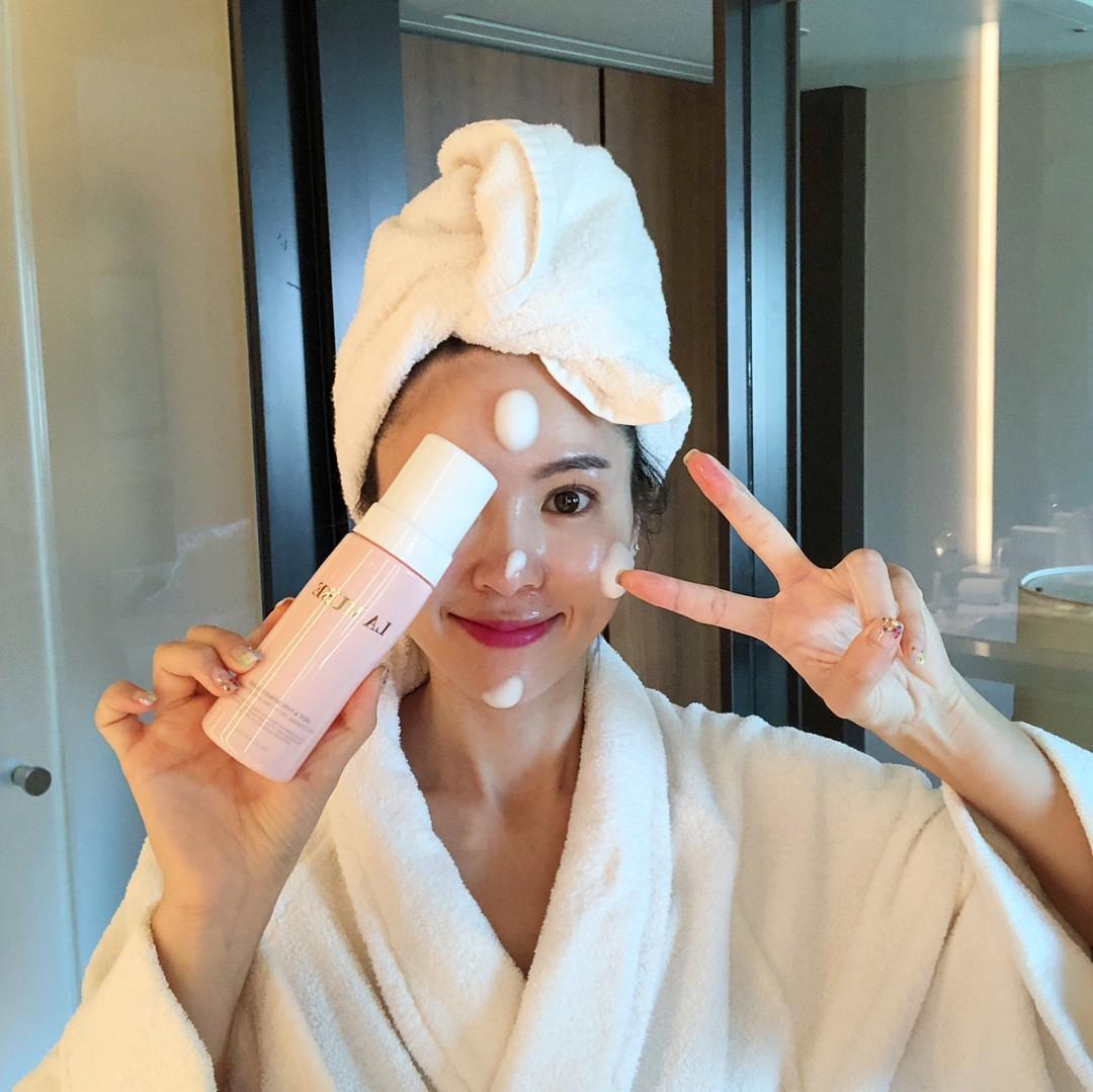 Đừng mắc 9 sai lầm này nếu không muốn hại làn da ngay từ bước rửa mặt - Ảnh 1.