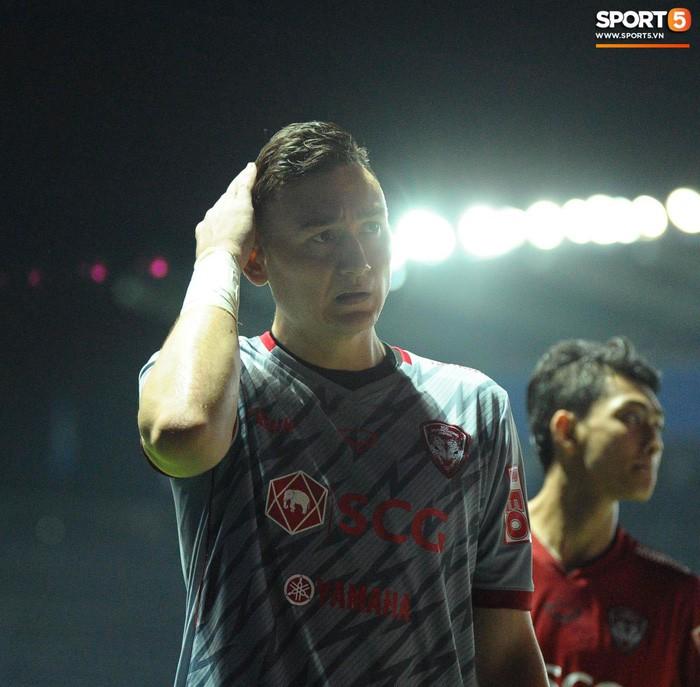 Xuân Trường, Văn Lâm ôm nhau đầy tình cảm sau trận đối đầu tại Thai League - Ảnh 7.