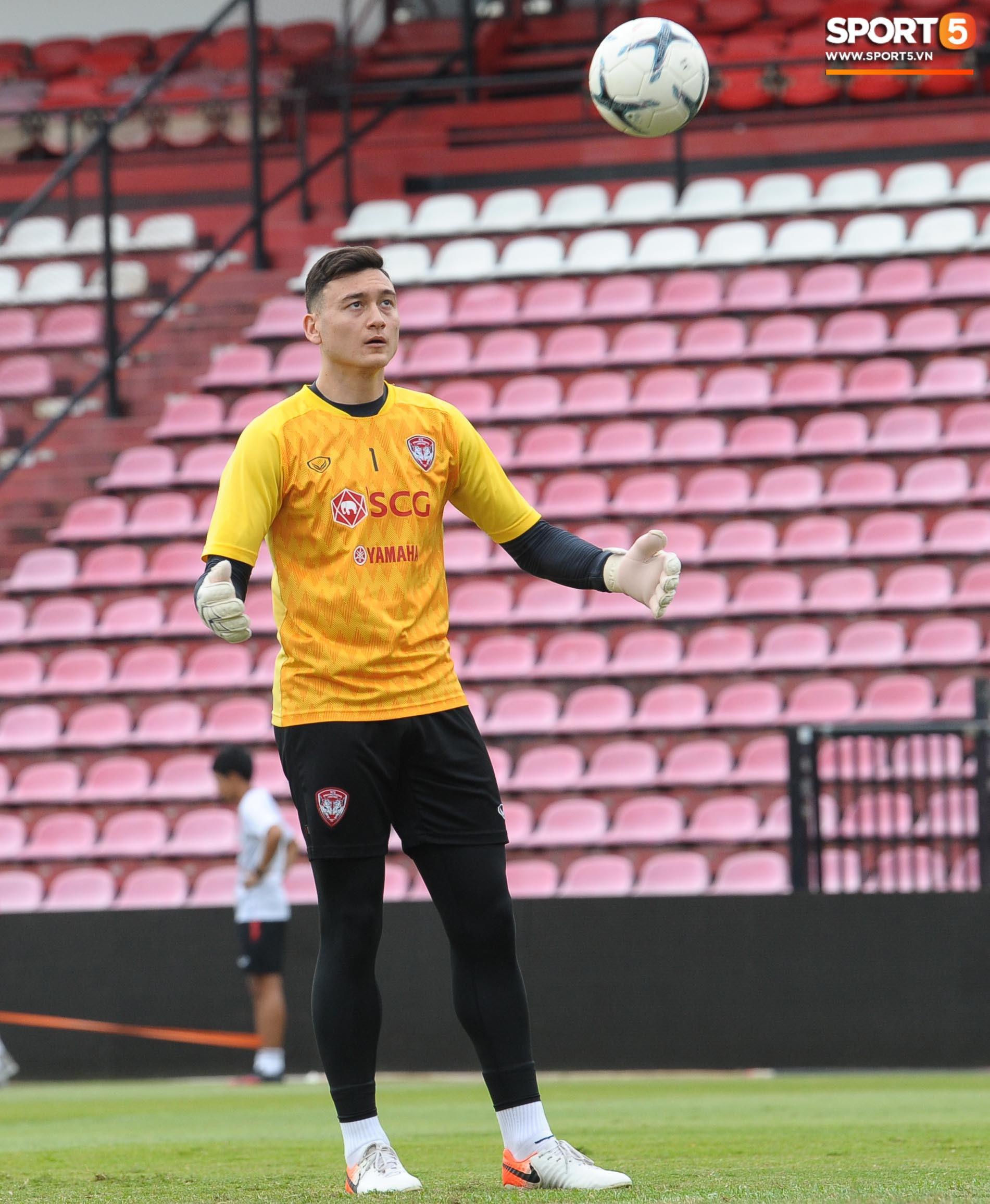 Đặng Văn Lâm tiết lộ đã thăm dò kỹ 2 tiền đạo Thái Lan, sẵn sàng gieo sầu cho chủ nhà tại Kings Cup 2019 - Ảnh 2.