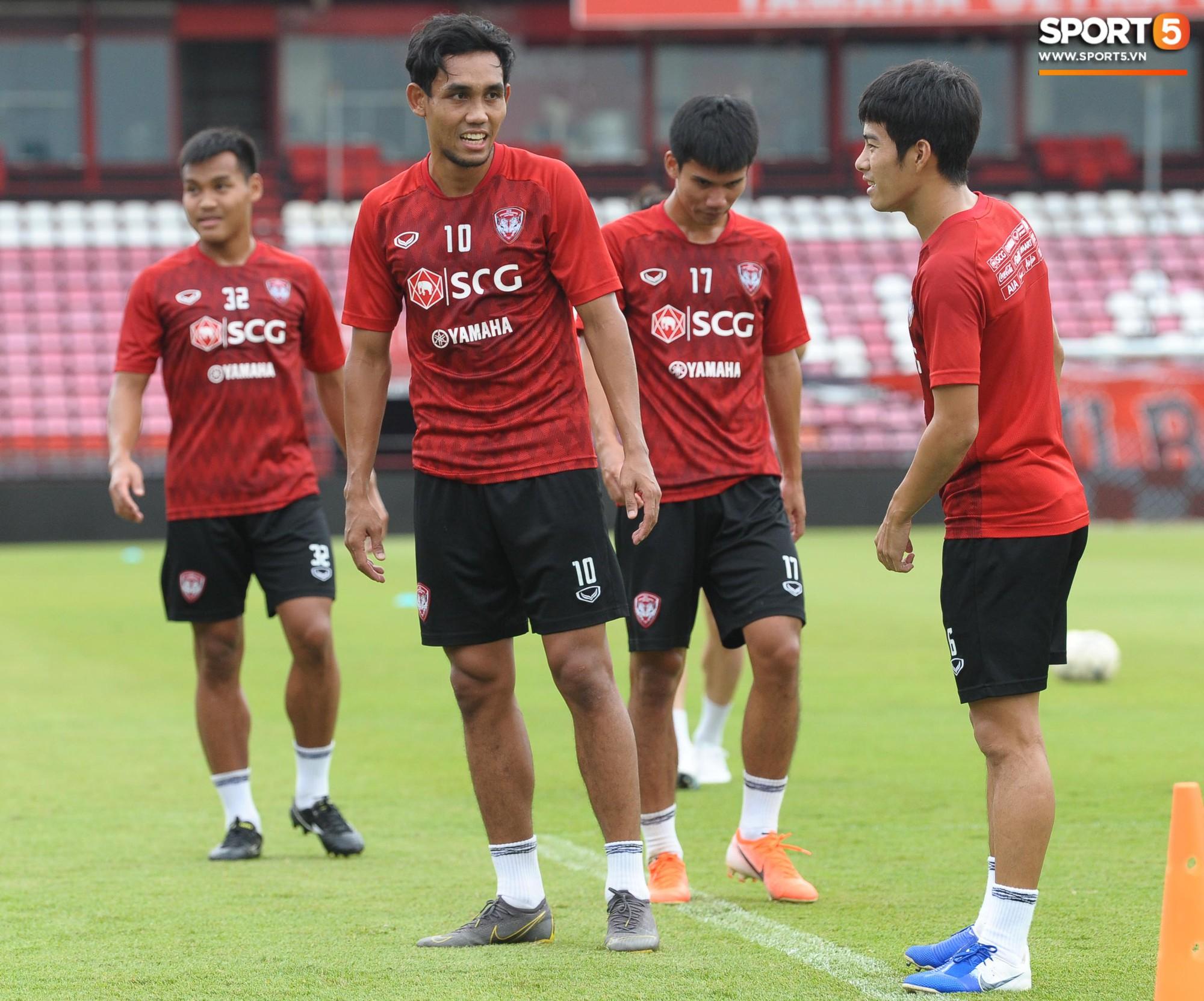 Đặng Văn Lâm tiết lộ đã thăm dò kỹ 2 tiền đạo Thái Lan, sẵn sàng gieo sầu cho chủ nhà tại Kings Cup 2019 - Ảnh 7.