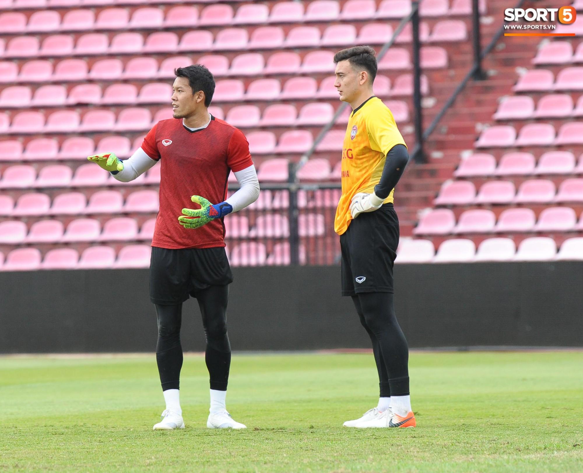 Đặng Văn Lâm tiết lộ đã thăm dò kỹ 2 tiền đạo Thái Lan, sẵn sàng gieo sầu cho chủ nhà tại Kings Cup 2019 - Ảnh 6.