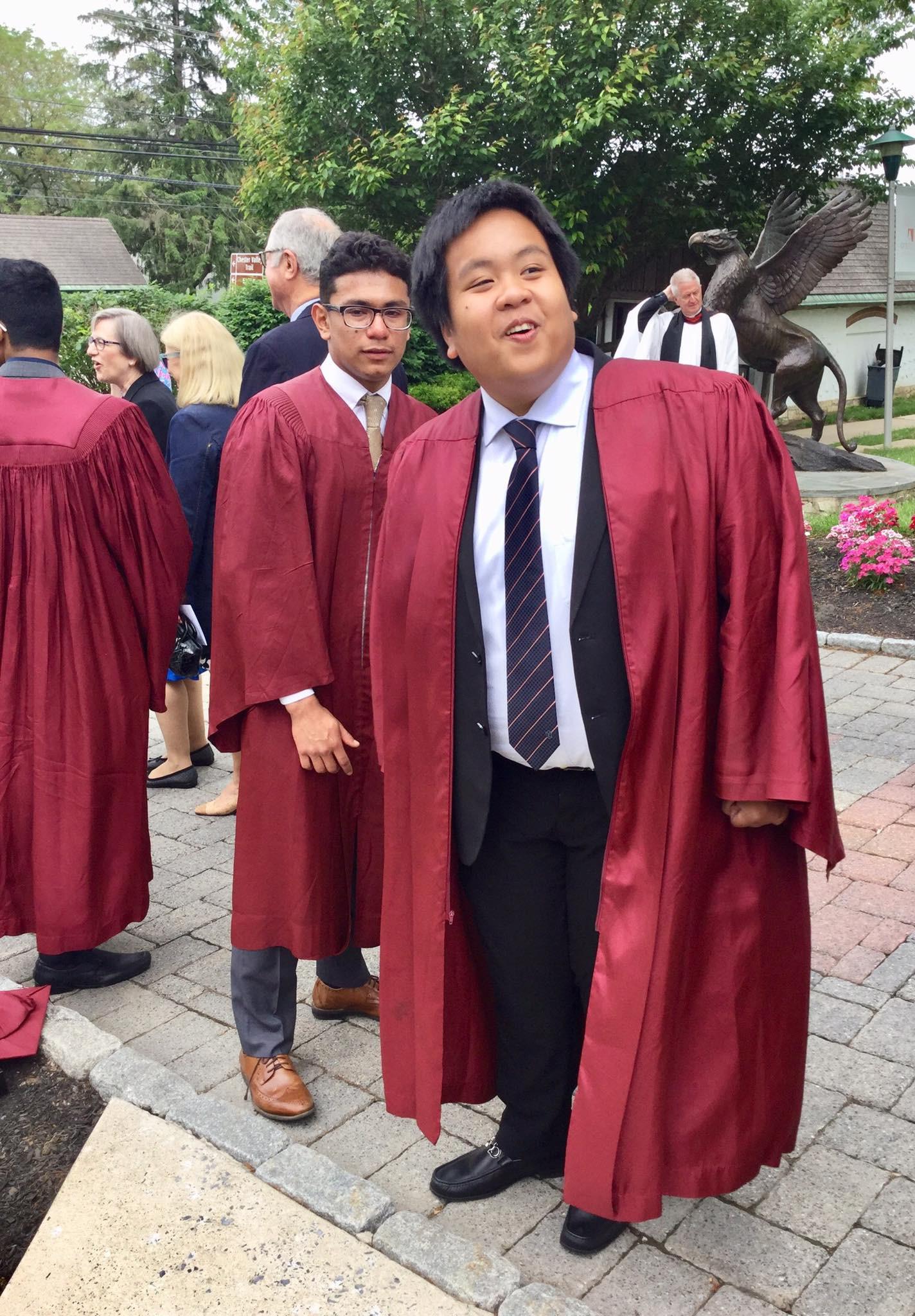 Không thể ngờ: Hôm nay, thần đồng Đỗ Nhật Nam đã tốt nghiệp cấp 3 và sắp bước vào Đại học! - Ảnh 1.