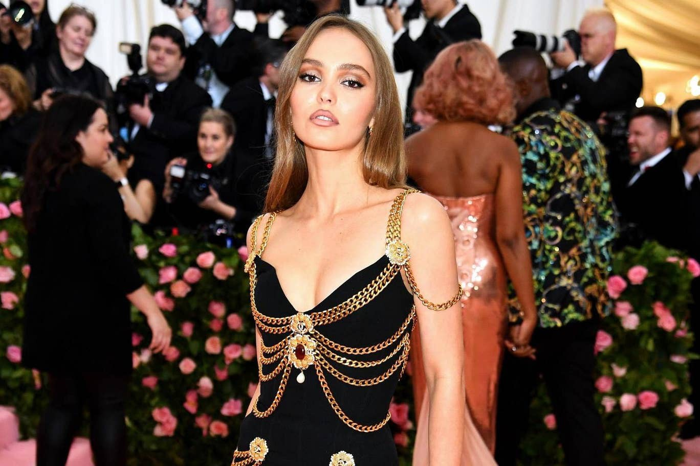 Nhan sắc tuổi 20 của ái nữ nhà Johnny Depp: Đẹp lạ, thần thái siêu mẫu ngút ngàn chẳng kém ai - Ảnh 3.