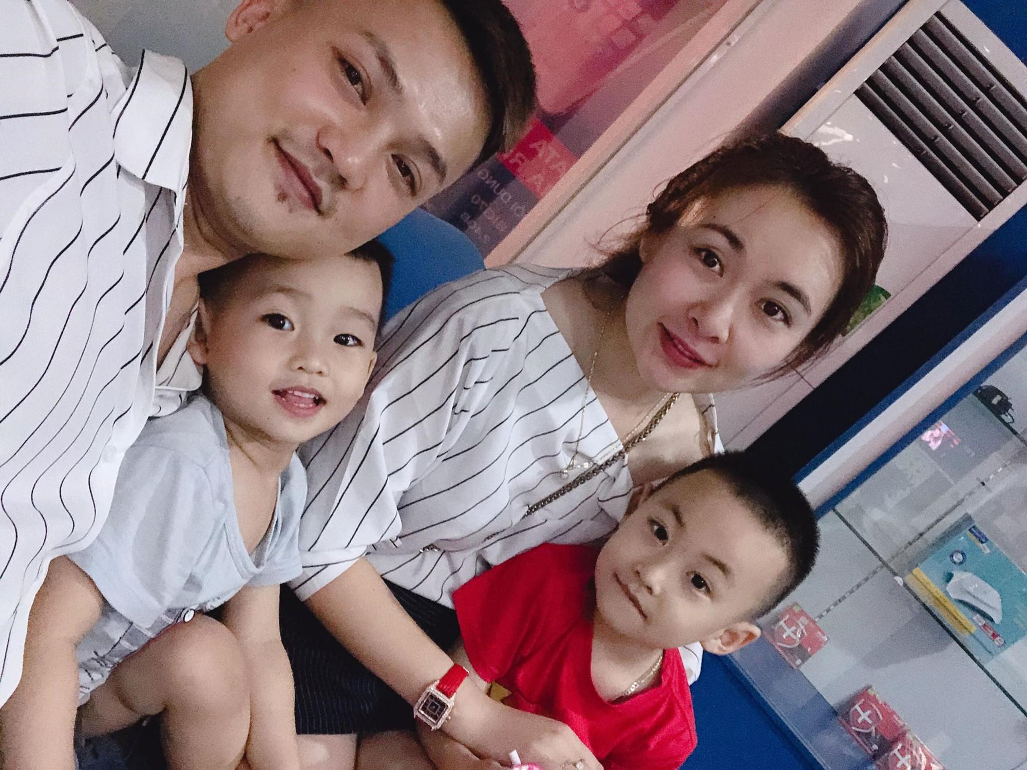 Gia đình hạnh phúc của chị Phương - Ảnh: NVCC