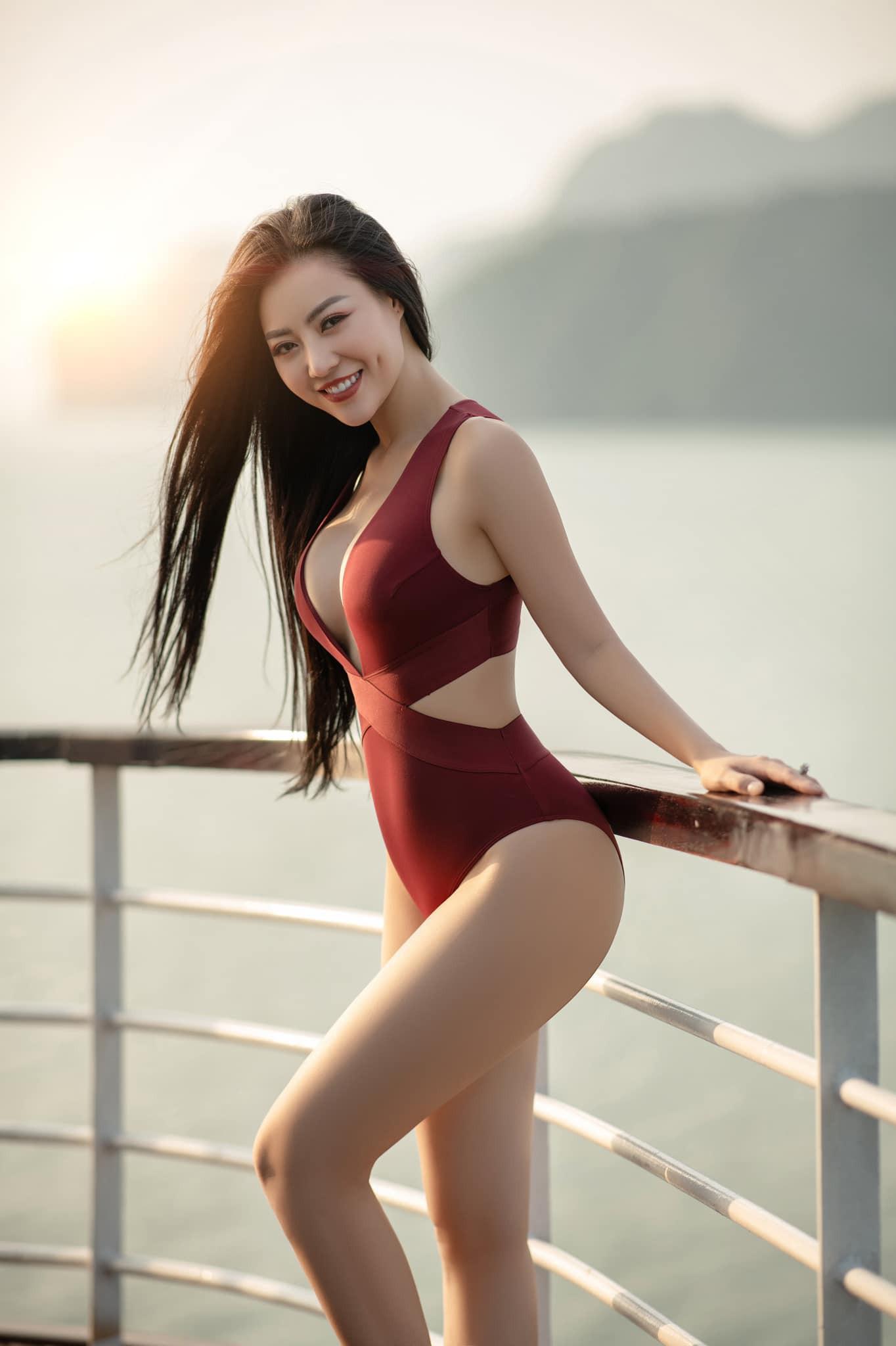 Thanh Hương Quỳnh búp bê tung trọn bộ bikini gợi cảm, khoe vòng 1 sexy ná thở - Ảnh 1.