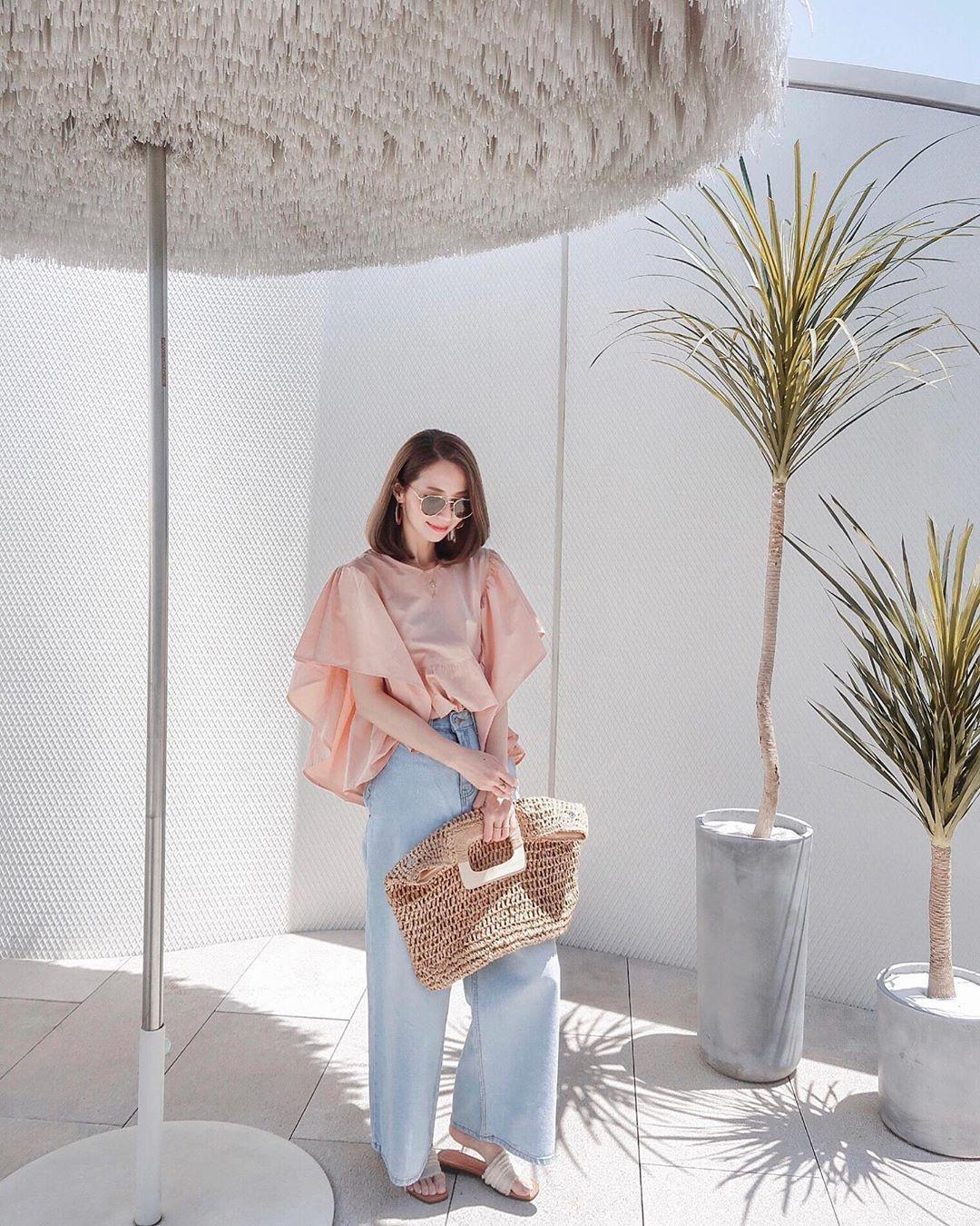 Muốn mặc đẹp hãy tham khảo 15 bộ đồ từ street style châu Á dưới đây, với rất nhiều gợi ý váy áo thô/đũi mát mẻ - Ảnh 15.