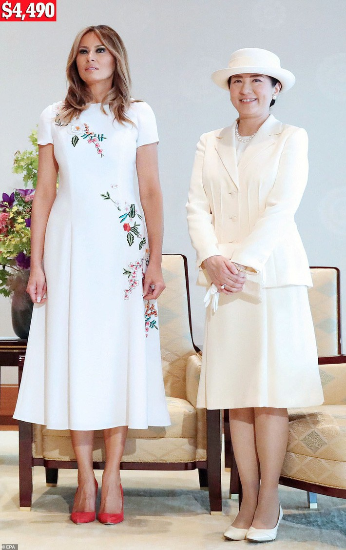 Bà Melania Trump chi gần nửa tỷ cho trang phục mặc trong chuyến thăm Nhật Bản 4 ngày, biến hóa từ sành điệu đến quý phái - Ảnh 5.