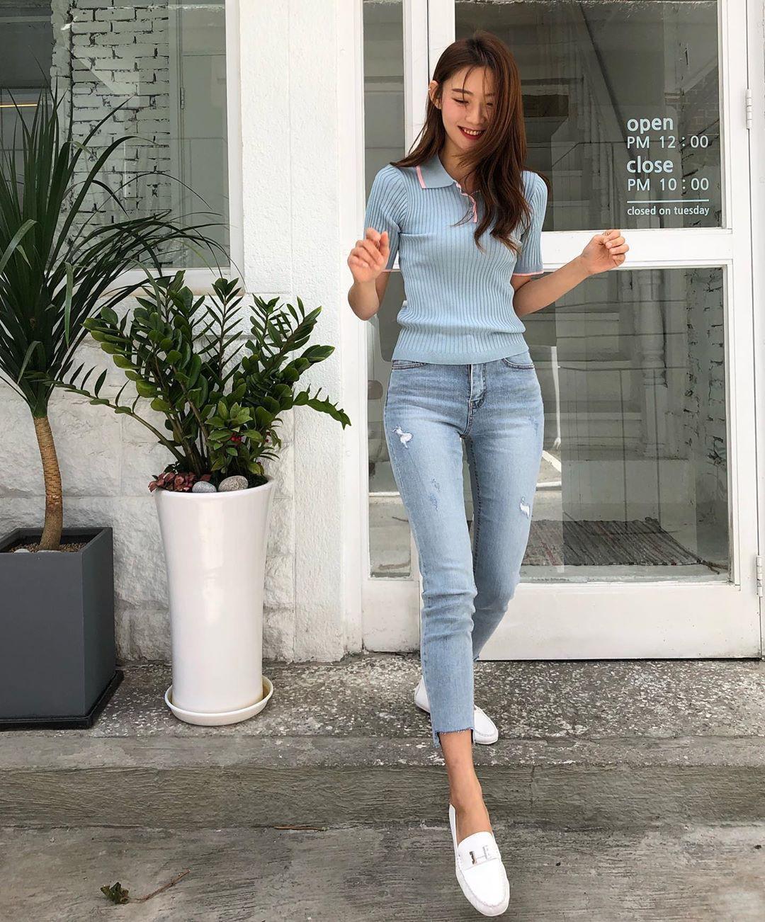 Muốn mặc đẹp hãy tham khảo 15 bộ đồ từ street style châu Á dưới đây, với rất nhiều gợi ý váy áo thô/đũi mát mẻ - Ảnh 5.