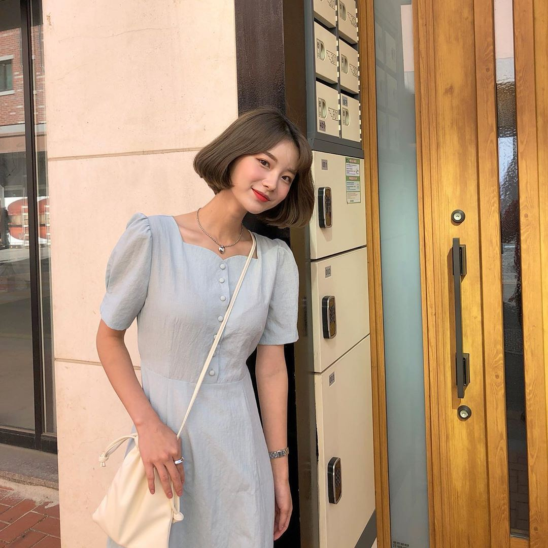 Muốn mặc đẹp hãy tham khảo 15 bộ đồ từ street style châu Á dưới đây, với rất nhiều gợi ý váy áo thô/đũi mát mẻ - Ảnh 8.