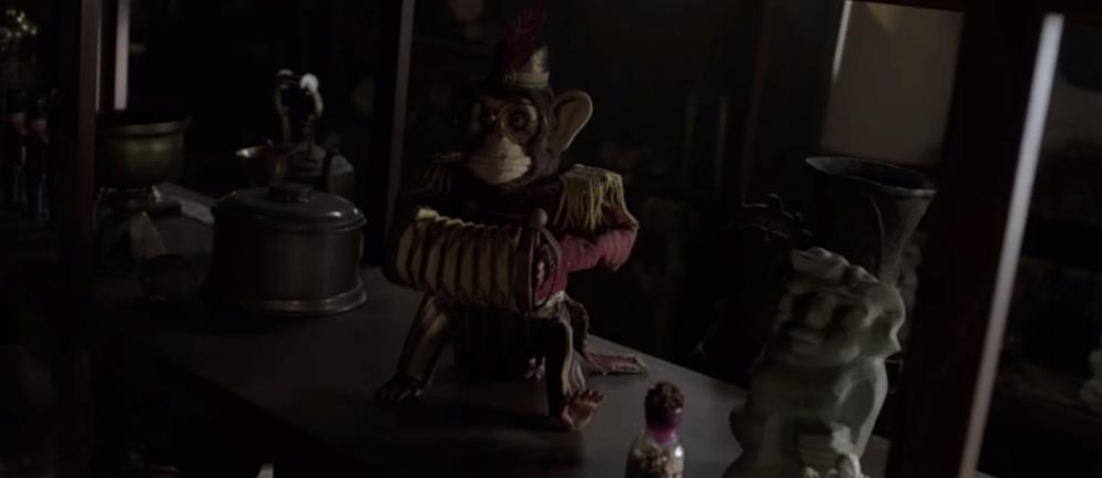 Annabelle nổi điên với lũ trẻ ranh, dám đột nhập tủ cúp bế của phụ huynh khi chưa được phép! - Ảnh 4.