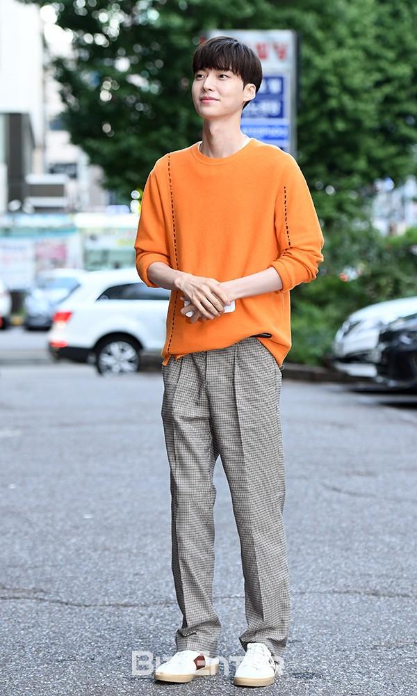 Nàng cỏ Goo Hye Sun chăm chồng kiểu gì mà khéo thế, Ahn Jae Hyun còi cọc đã lột xác ngoạn mục sau 4 năm! - Ảnh 6.