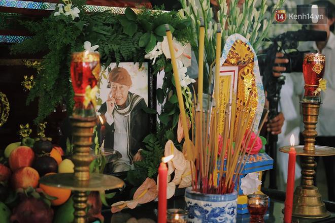 NSND Hồng Vân gửi lời tạ lỗi khi không thể tới tang lễ thắp nhang tiễn biệt nghệ sĩ Lê Bình - Ảnh 2.