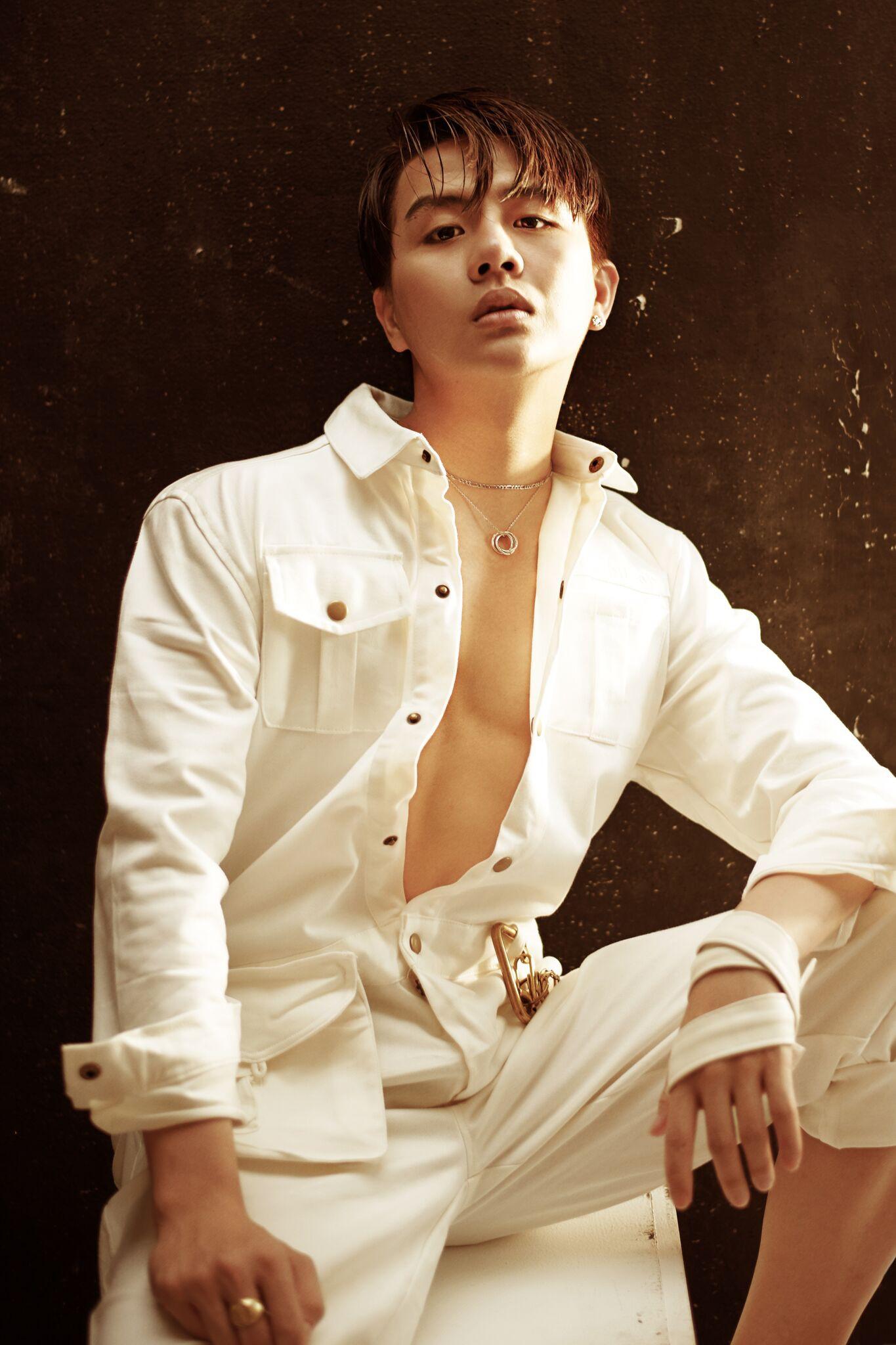 Có một Duy Khánh đã hết giả gái, cool ngầu và nam tính trong loạt ảnh mới - Ảnh 1.