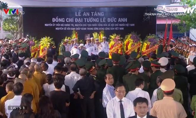 Lễ an táng cố Chủ tịch nước Lê Đức Anh ở TP Hồ Chí Minh - Ảnh 13.