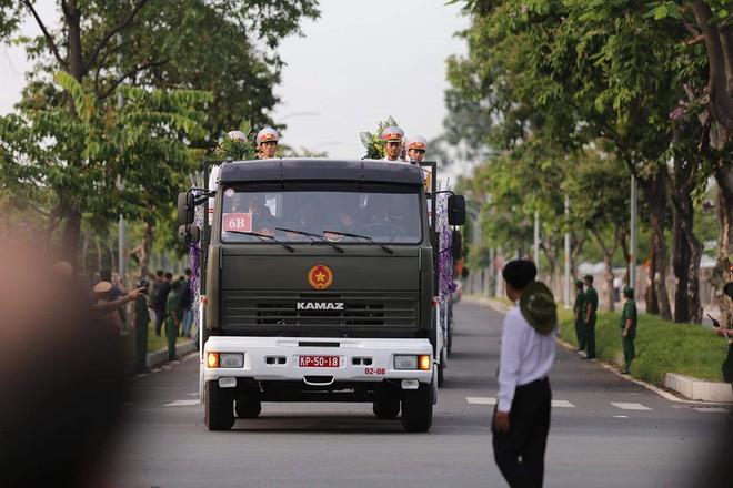 Lễ an táng cố Chủ tịch nước Lê Đức Anh ở TP Hồ Chí Minh - Ảnh 23.