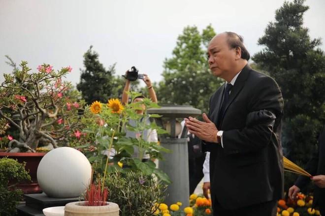 Lễ an táng cố Chủ tịch nước Lê Đức Anh ở TP Hồ Chí Minh - Ảnh 28.