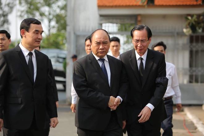 Lễ an táng cố Chủ tịch nước Lê Đức Anh ở TP Hồ Chí Minh - Ảnh 29.