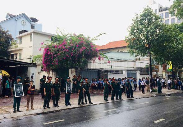 Lễ an táng cố Chủ tịch nước Lê Đức Anh ở TP Hồ Chí Minh - Ảnh 34.
