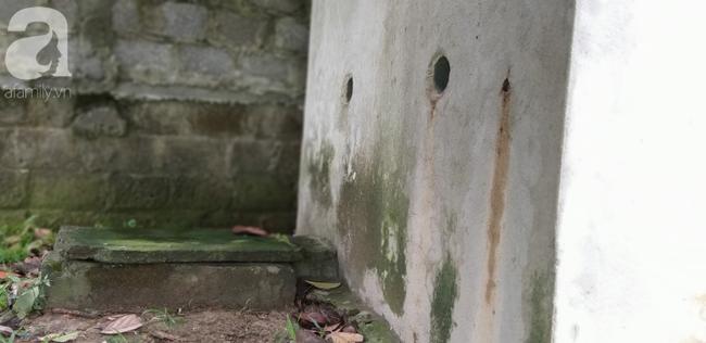 Cận cảnh chiếc chuồng của người bố nhốt con trai như vật nuôi, đầy ruồi muỗi và hôi thối được bạn bè giải cứu ở Hưng Yên - Ảnh 8.