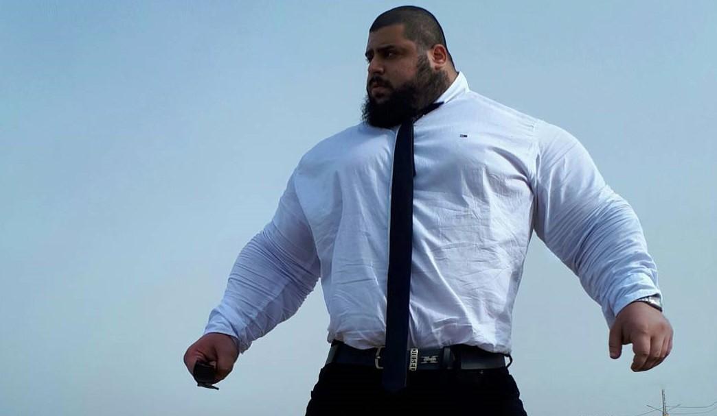 Vận động viên cử tạ được mệnh danh người khổng lồ Hulk của Iran, cân nặng bằng cá voi sát thủ