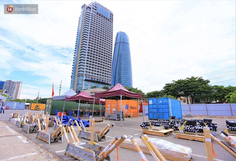 Ảnh: Xâm nhập trận địa pháo hoa khủng trước giờ khai hỏa DIFF 2019 ở Đà Nẵng - Ảnh 7.