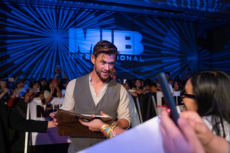 Phỏng vấn trực tiếp Chris Hemsworth: Muốn bứng Black Widow và Hulk đóng chung Men in Black, con gái là fan cứng Wonder Woman! - Ảnh 6.