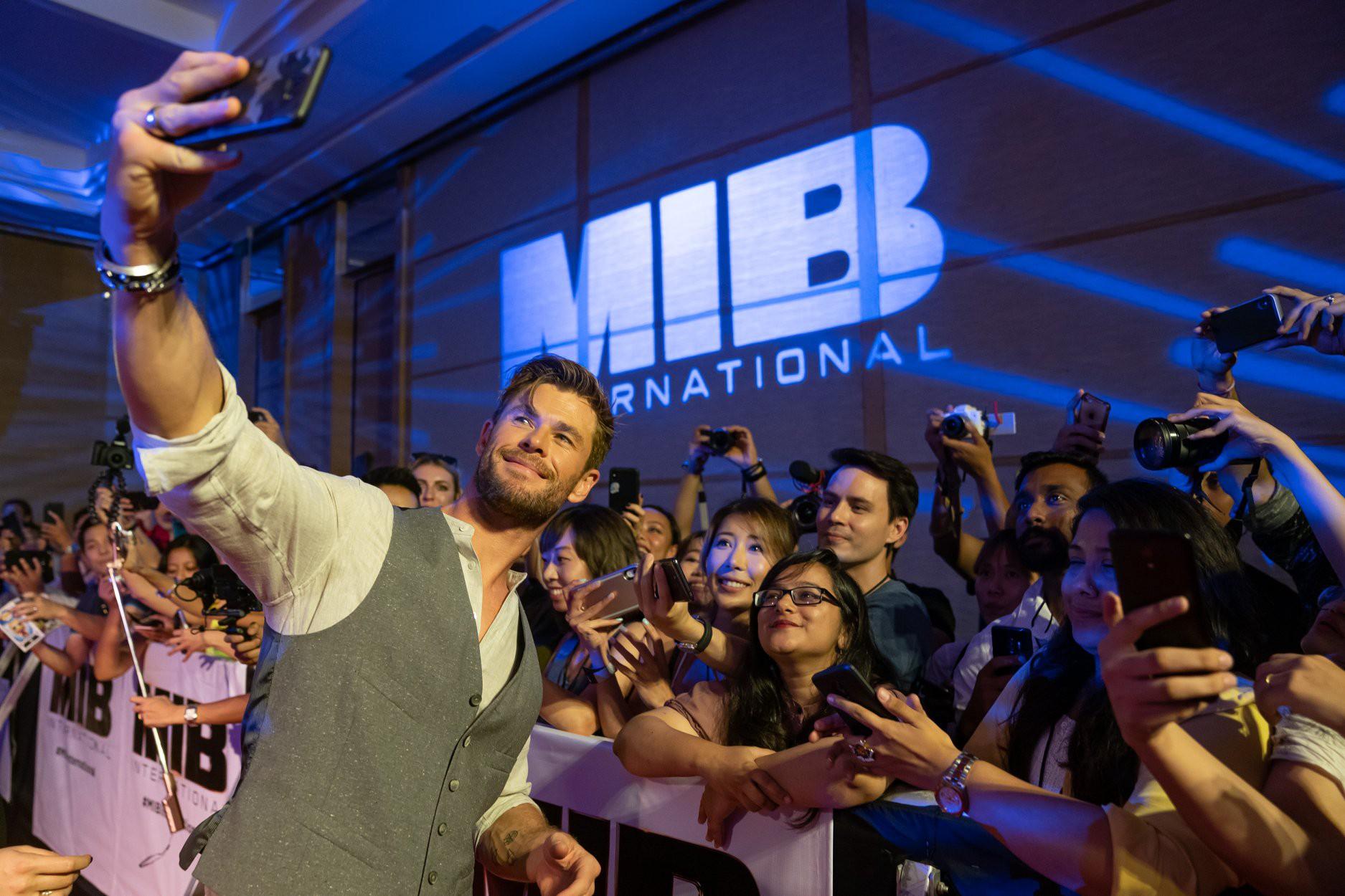 Phỏng vấn trực tiếp Chris Hemsworth: Muốn bứng Black Widow và Hulk đóng chung Men in Black, con gái là fan cứng Wonder Woman! - Ảnh 9.