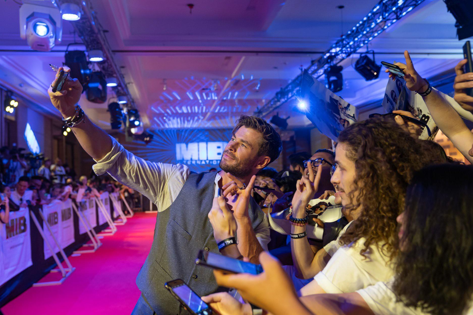 Phỏng vấn trực tiếp Chris Hemsworth: Muốn bứng Black Widow và Hulk đóng chung Men in Black, con gái là fan cứng Wonder Woman! - Ảnh 10.