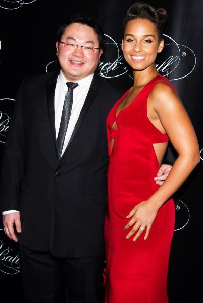"""Choáng vì vị đại gia Hoa kiều được chủ tịch YG """"chiêu đãi"""": Giàu thế nào mà được gọi là Hòa Thân của Malaysia, theo đuổi cả Miranda Kerr? - Ảnh 4."""