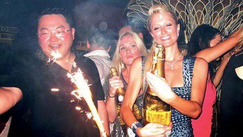 """Choáng vì vị đại gia Hoa kiều được chủ tịch YG """"chiêu đãi"""": Giàu thế nào mà được gọi là Hòa Thân của Malaysia, theo đuổi cả Miranda Kerr? - Ảnh 5."""