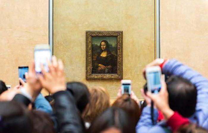 Bảo tàng Louvre (Pháp) buộc phải đóng cửa vì quá đông du khách kéo tới xem kiệt tác tranh nàng Mona Lisa - Ảnh 2.