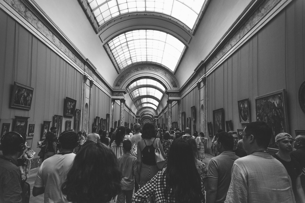 Bảo tàng Louvre (Pháp) buộc phải đóng cửa vì quá đông du khách kéo tới xem kiệt tác tranh nàng Mona Lisa - Ảnh 3.