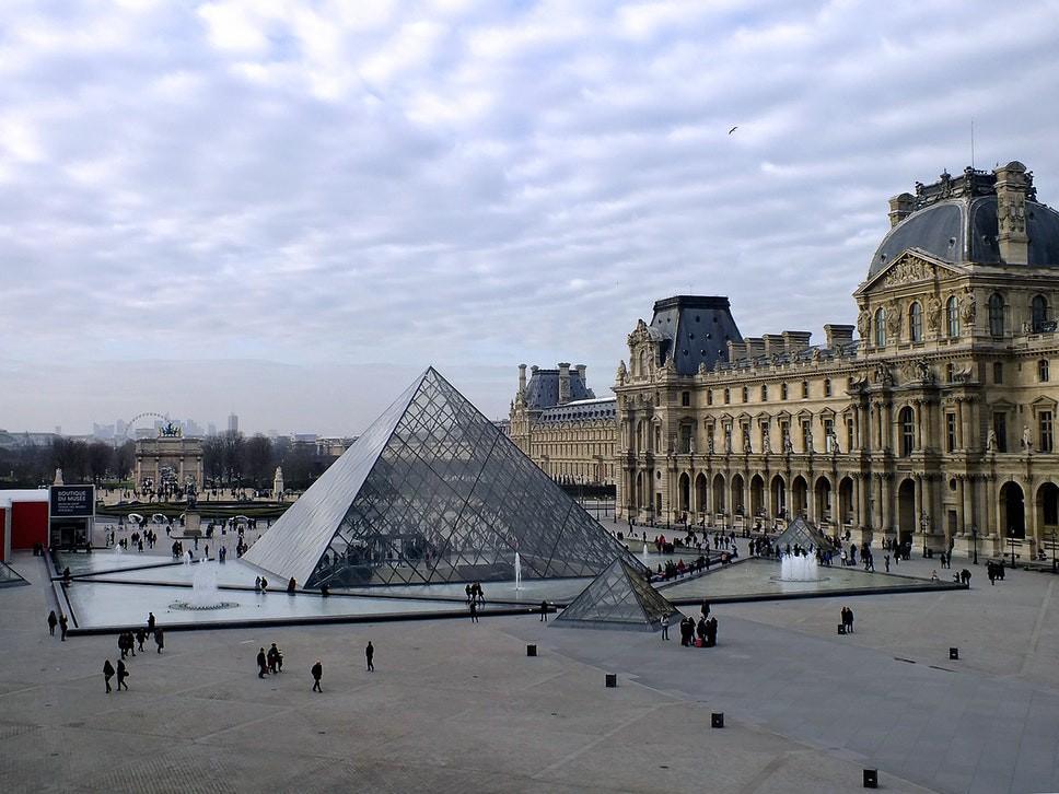 Bảo tàng Louvre (Pháp) buộc phải đóng cửa vì quá đông du khách kéo tới xem kiệt tác tranh nàng Mona Lisa - Ảnh 5.