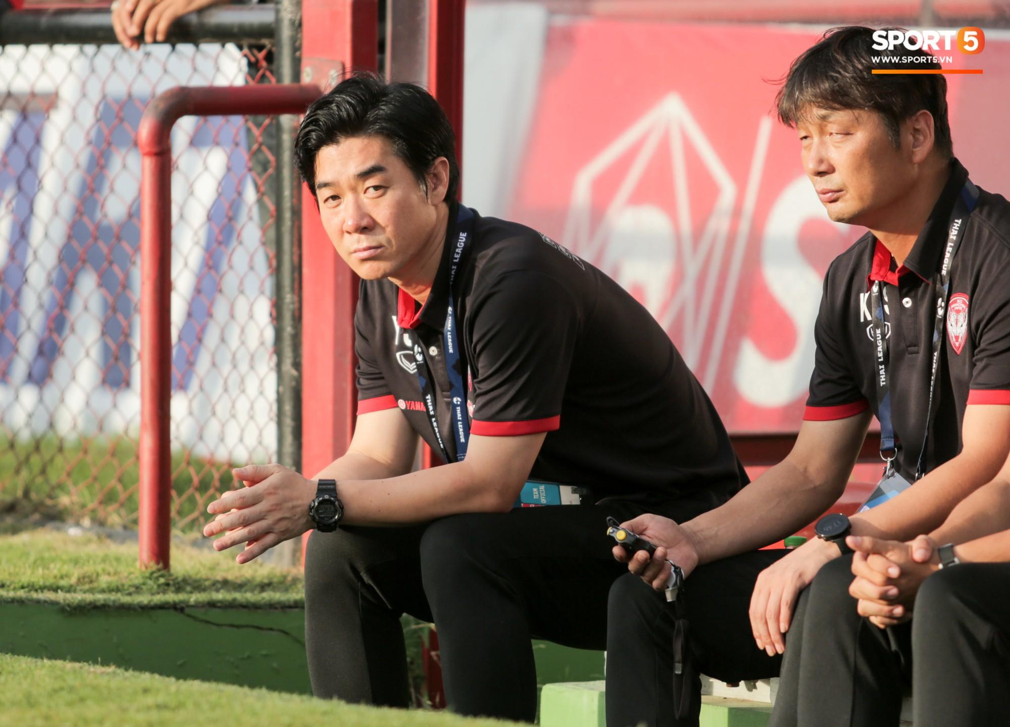 HLV Hàn Quốc ứng cử làm thuyền trưởng tuyển Thái Lan để có dịp đối đầu với HLV Park Hang-seo - Ảnh 1.