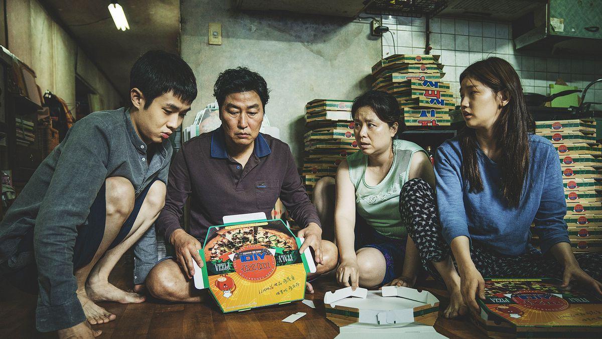 """Đẳng cấp đạo diễn Bong Joon Ho: Đưa Song Kang Ho một bước thành sao, biến """"Đội trưởng Mỹ"""" Chris Evans thành kẻ nổi loạn - Ảnh 21."""