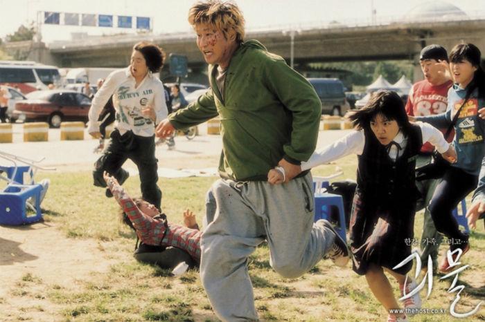 """Đẳng cấp đạo diễn Bong Joon Ho: Đưa Song Kang Ho một bước thành sao, biến """"Đội trưởng Mỹ"""" Chris Evans thành kẻ nổi loạn - Ảnh 9."""