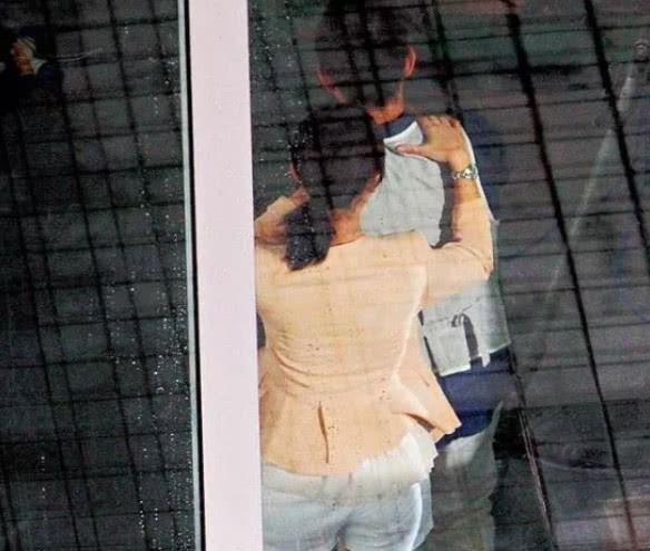 Trần Hiểu cứu vớt cuộc hôn nhân rạn nứt vì scandal Trần Nghiên Hy ngoại tình bằng 1 hình ảnh siêu tình tứ - Ảnh 1.
