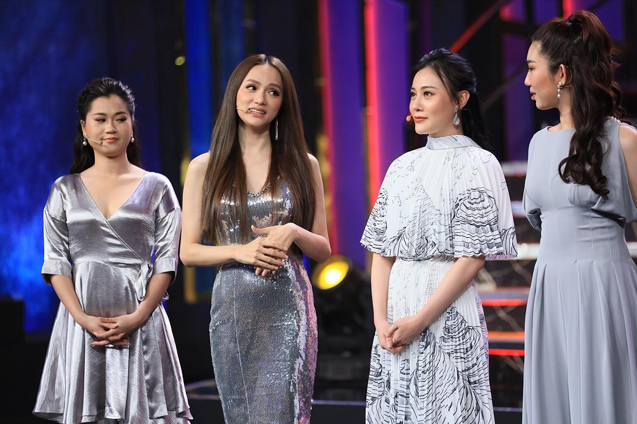 Hương Giang thừa nhận xinh đẹp là nhờ... bác sĩ giỏi - Ảnh 1.