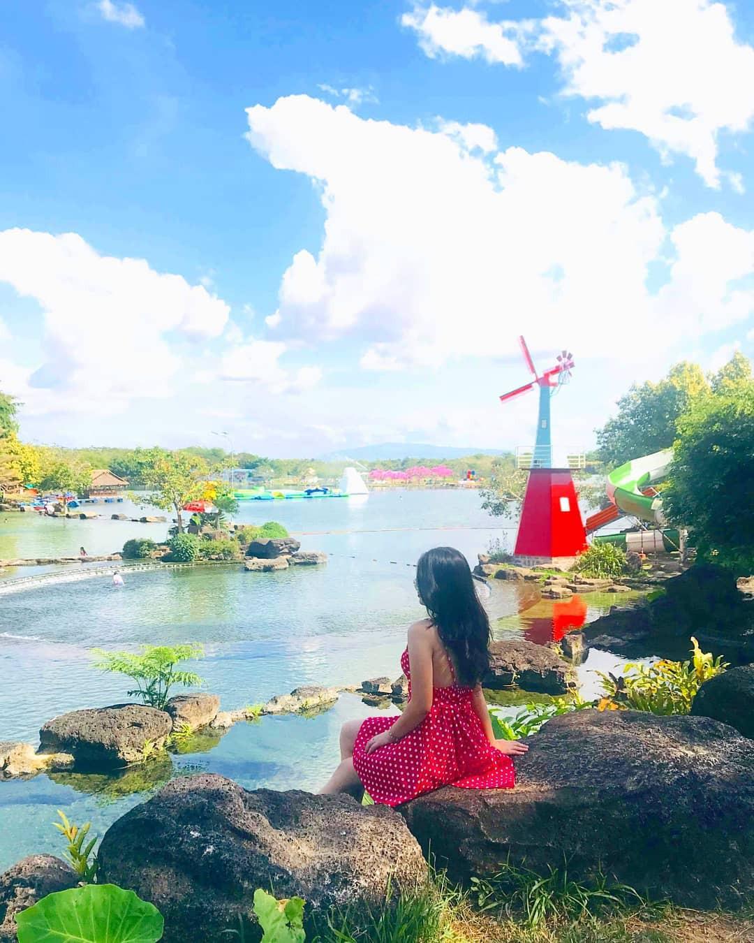 Hot hòn họt công viên Suối Mơ ngay sát Sài Gòn: Lên hình có vẻ ảo đấy nhưng ngoài đời có phải hơi sến không? - Ảnh 3.