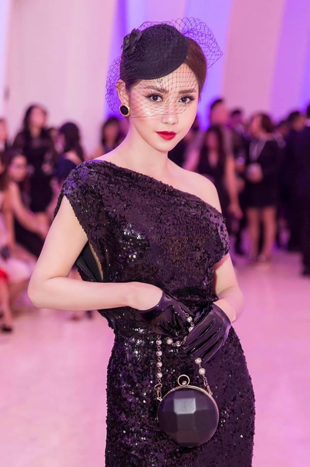 Danh tính MC mới của Confetti Việt Nam: Mỹ nhân cùng thời Hà Tăng, từng gây xôn xao với chiếc mũi lệch xiêu vẹo - Ảnh 11.