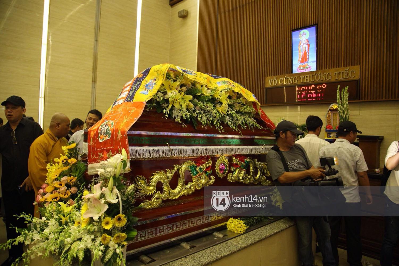Gia đình, bạn bè đồng nghiệp xúc động bật khóc tiễn biệt cố nghệ sĩ Lê Bình về đất mẹ - Ảnh 13.